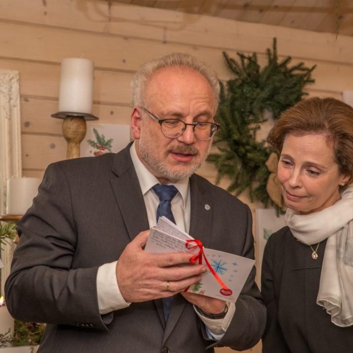 Laima labdarības namiņš Valsts prezidents ar kundzi